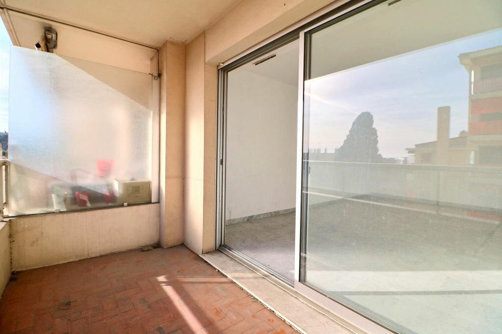 Appartement à vendre 3 69.7m2 à Roquebrune-Cap-Martin vignette-11