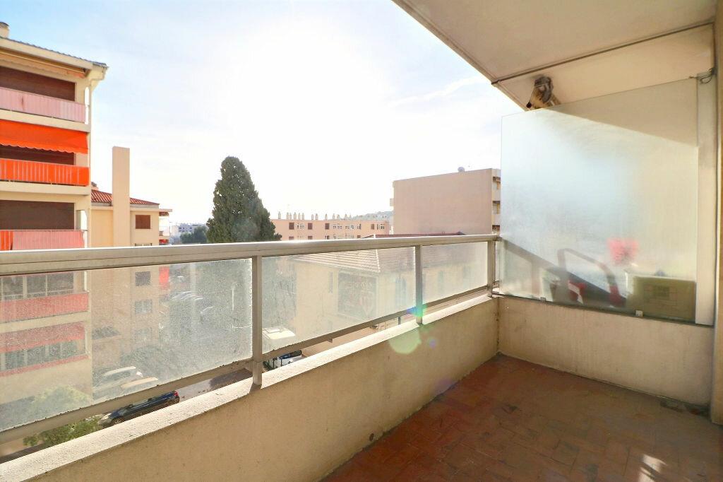 Appartement à vendre 3 69.7m2 à Roquebrune-Cap-Martin vignette-12