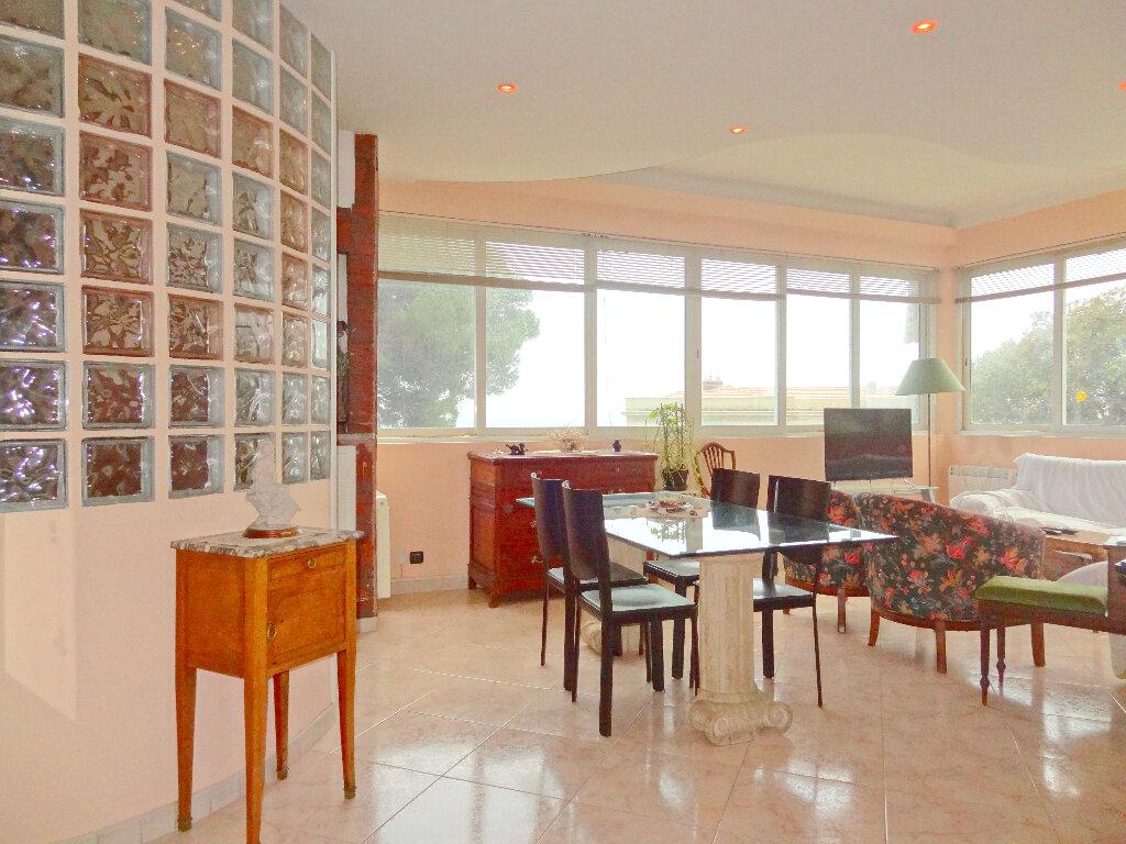 Appartement à vendre 4 100m2 à Menton vignette-4
