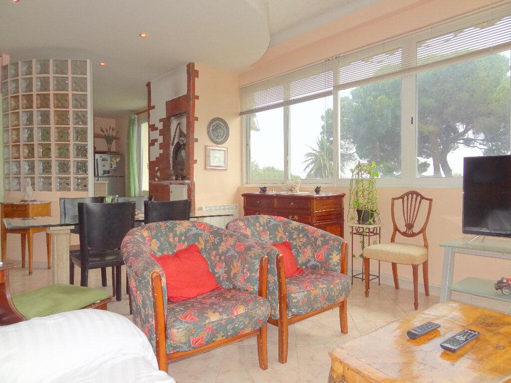 Appartement à vendre 4 100m2 à Menton vignette-5