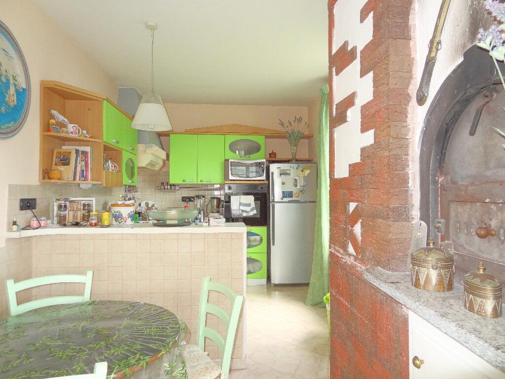 Appartement à vendre 4 100m2 à Menton vignette-7