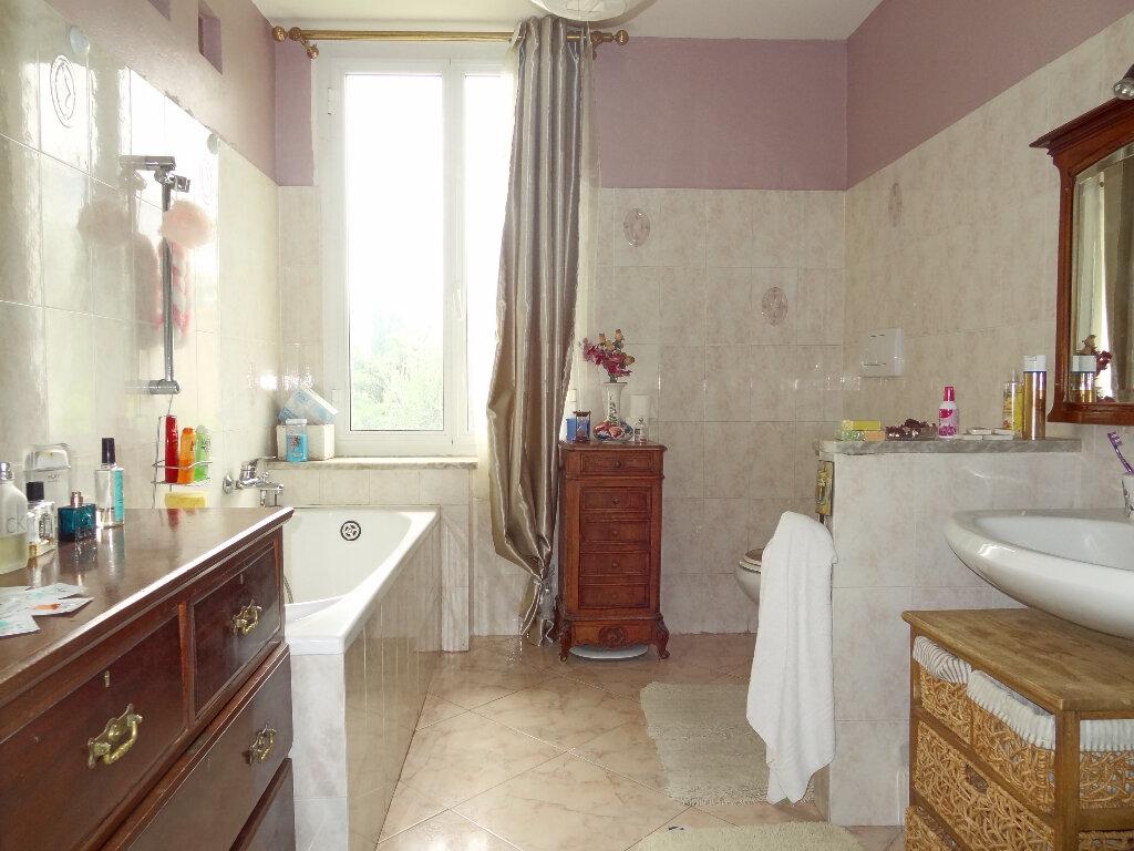 Appartement à vendre 4 100m2 à Menton vignette-12