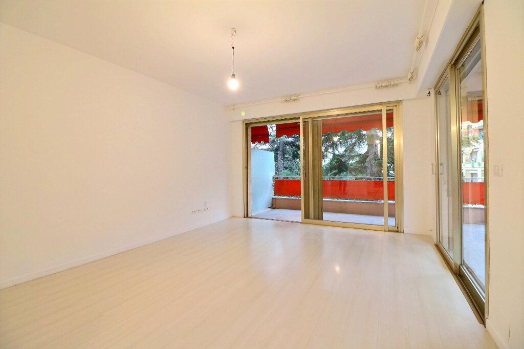 Appartement à vendre 3 71.4m2 à Menton vignette-5