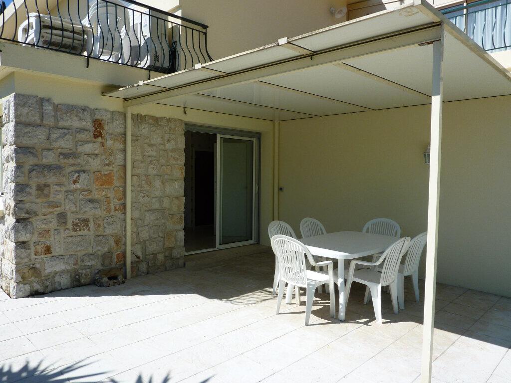 Appartement à louer 2 48.71m2 à Roquebrune-Cap-Martin vignette-2