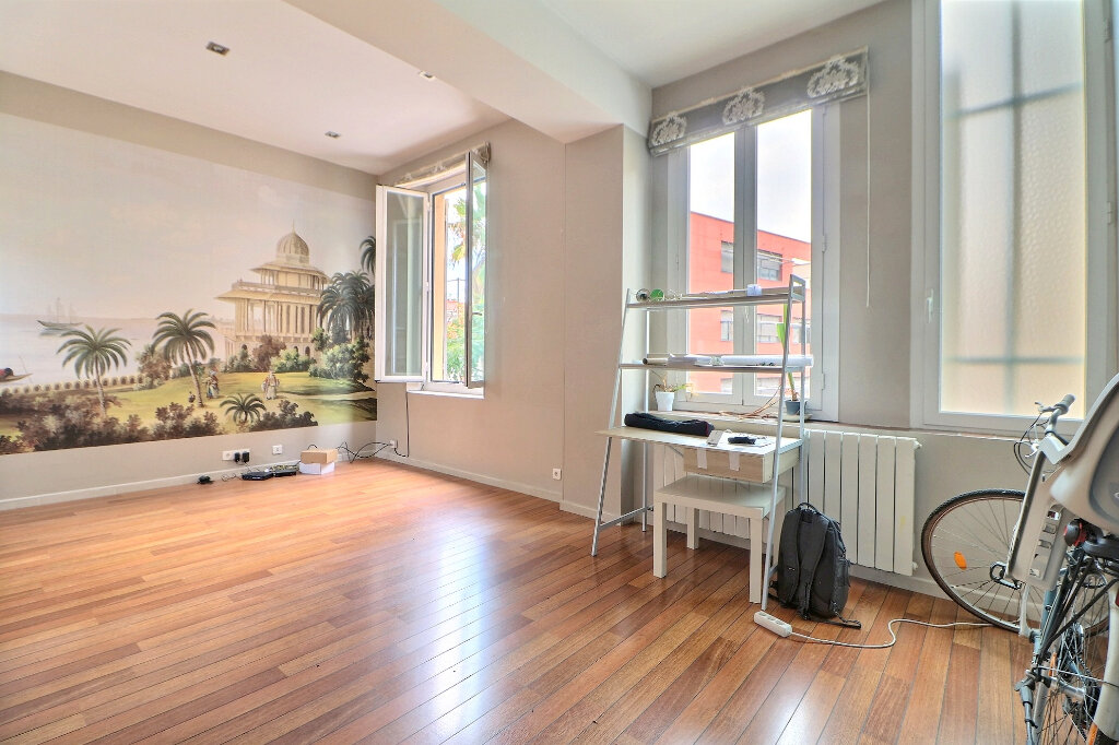 Appartement à vendre 3 92.92m2 à Menton vignette-1