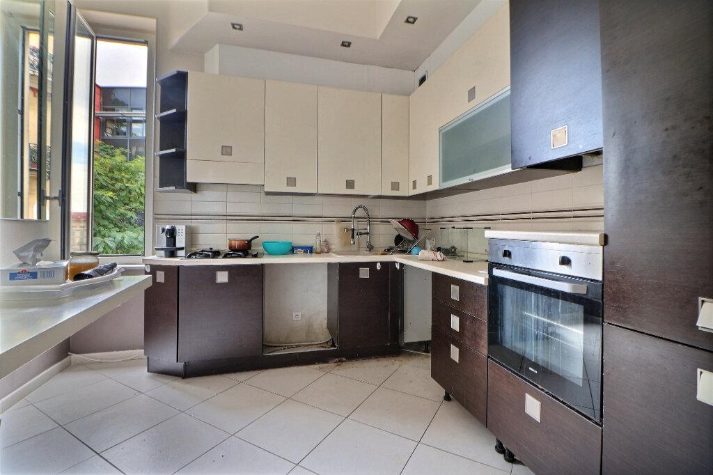 Appartement à vendre 3 92.92m2 à Menton vignette-4