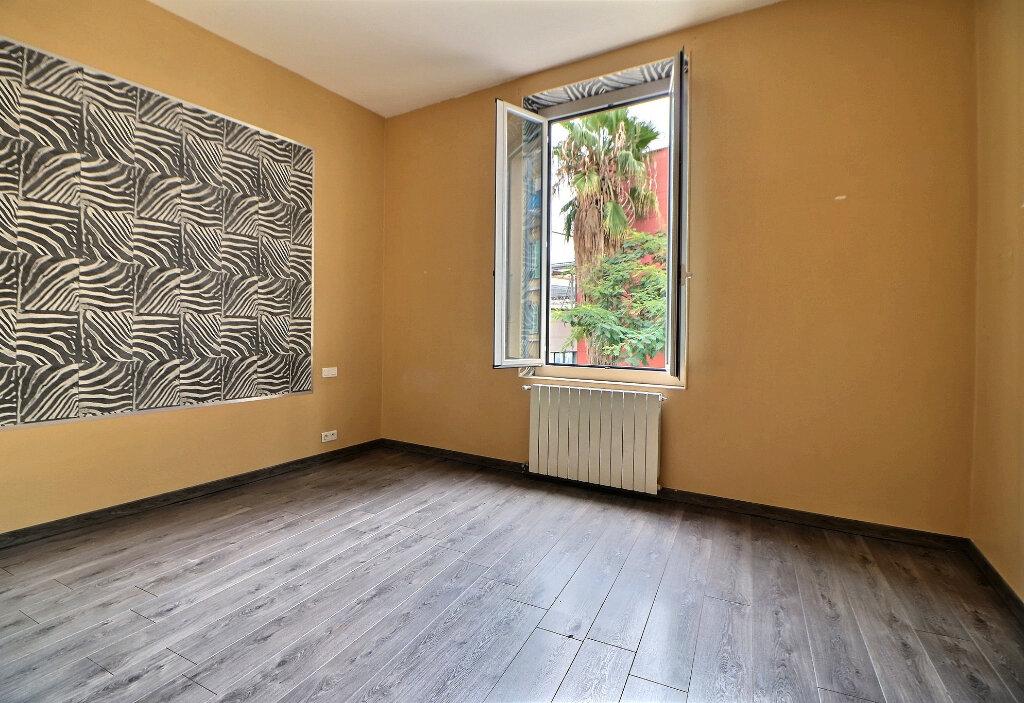 Appartement à vendre 3 92.92m2 à Menton vignette-5