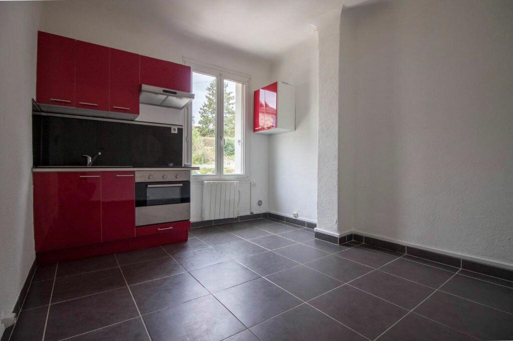 Appartement à louer 2 28.2m2 à Osny vignette-2