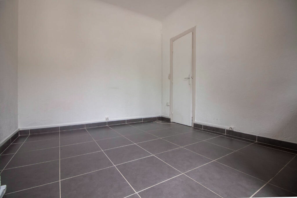 Appartement à louer 2 28.2m2 à Osny vignette-3