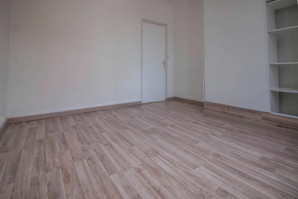 Appartement à louer 2 28.2m2 à Osny vignette-5