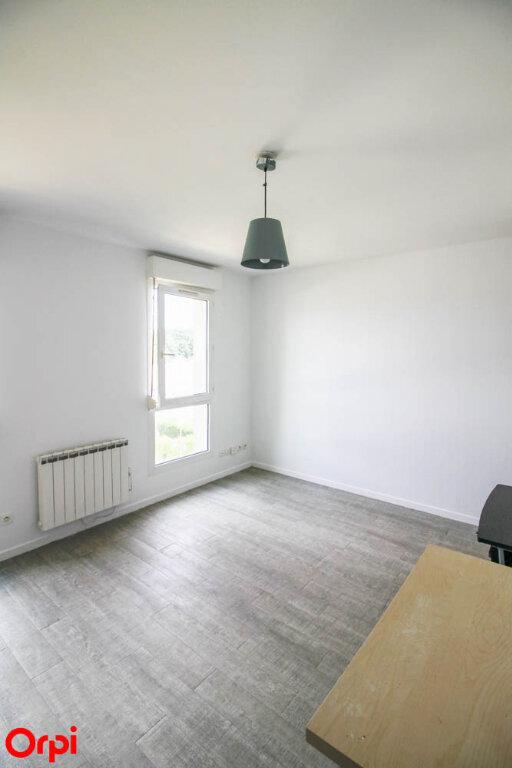 Appartement à louer 1 24.79m2 à Osny vignette-3