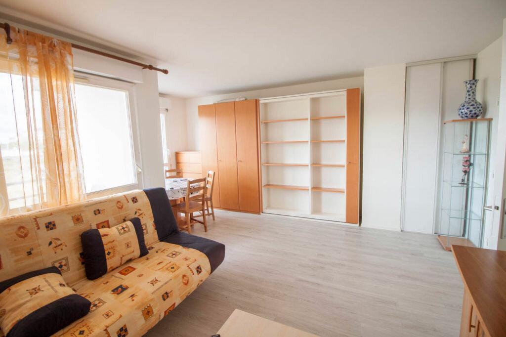 Appartement à louer 1 33.45m2 à Cergy vignette-1