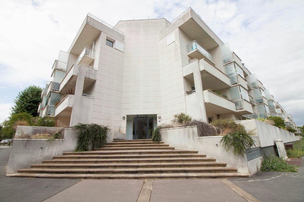Appartement à louer 1 33.45m2 à Cergy vignette-9