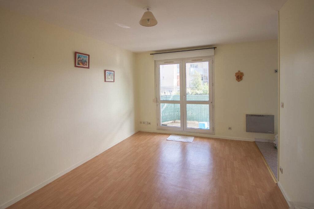 Appartement à louer 1 28.2m2 à Osny vignette-1