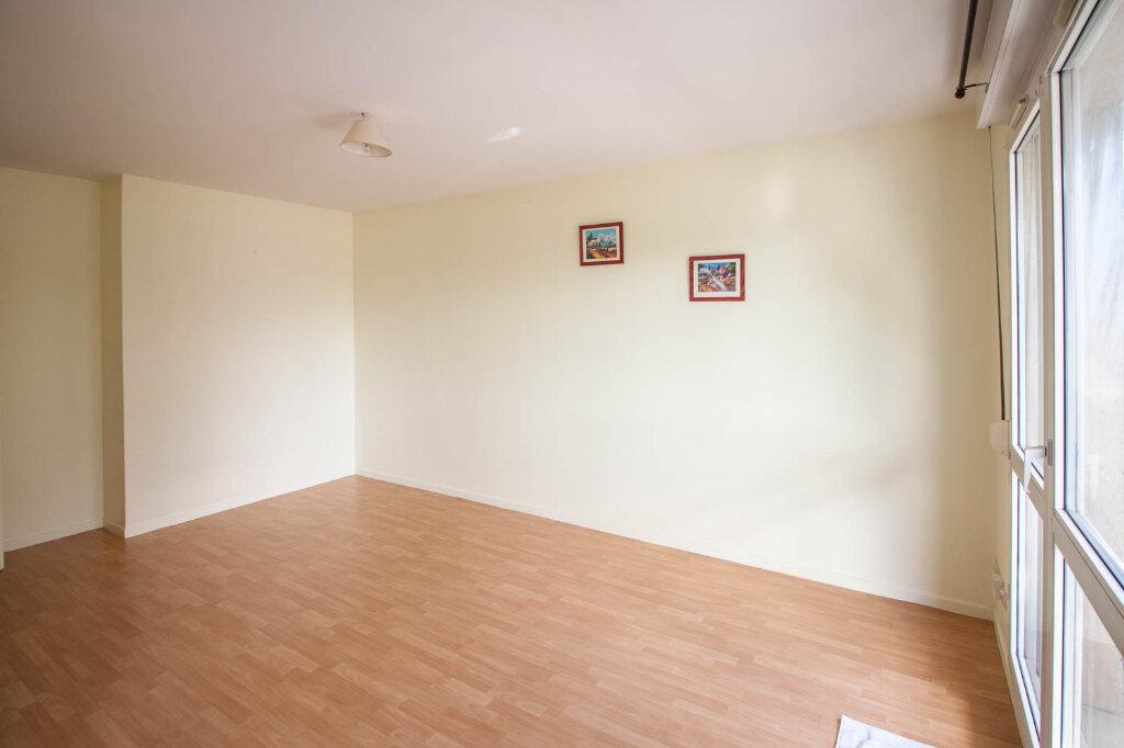 Appartement à louer 1 28.2m2 à Osny vignette-4