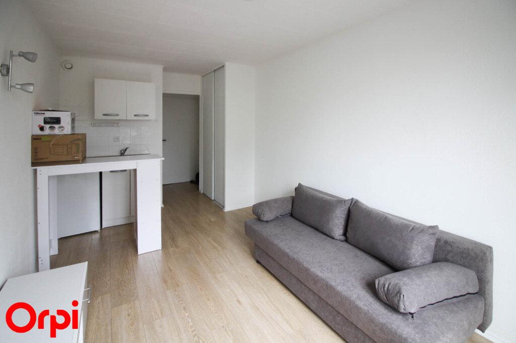 Appartement à louer 1 18m2 à Cergy vignette-2
