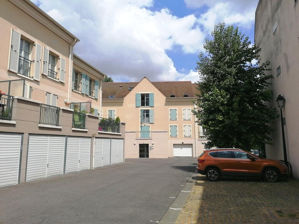 Appartement à louer 3 61.71m2 à Osny vignette-1