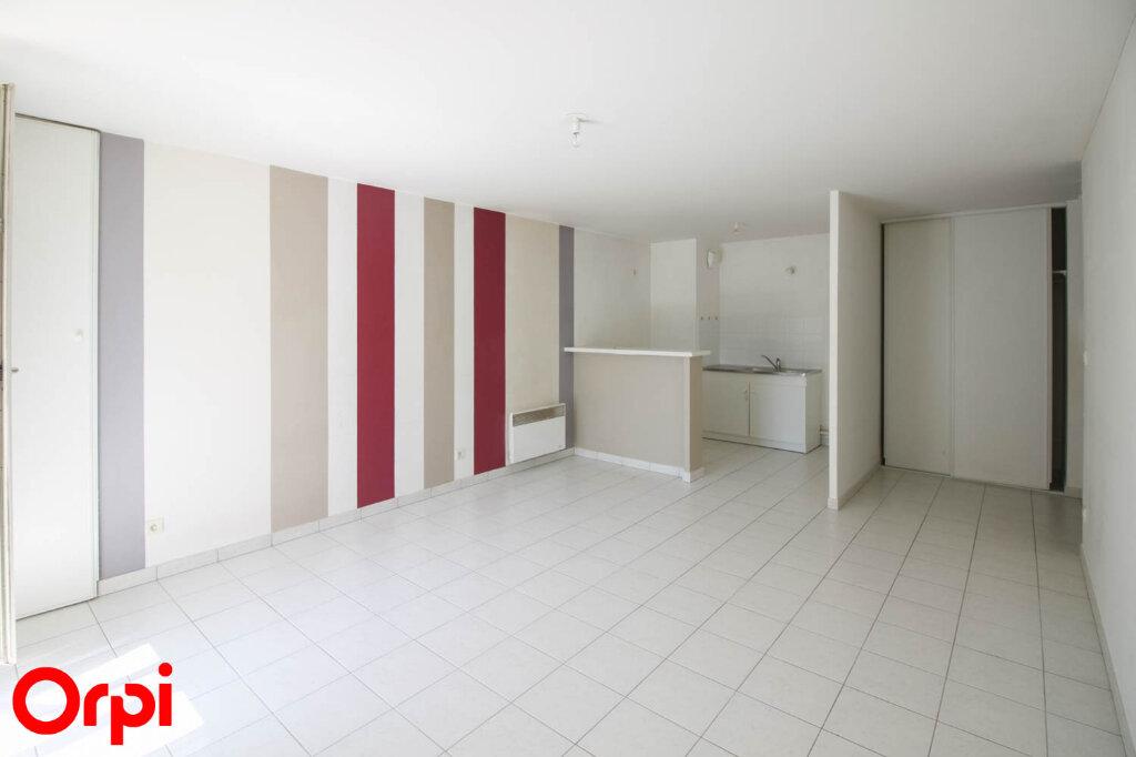 Appartement à louer 3 61.71m2 à Osny vignette-3