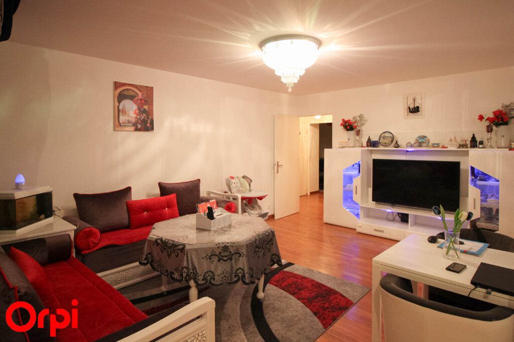 Appartement à louer 4 80.54m2 à Cergy vignette-3