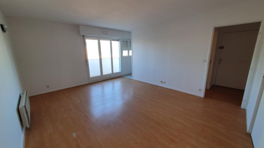 Appartement à louer 1 29.32m2 à Cergy vignette-2