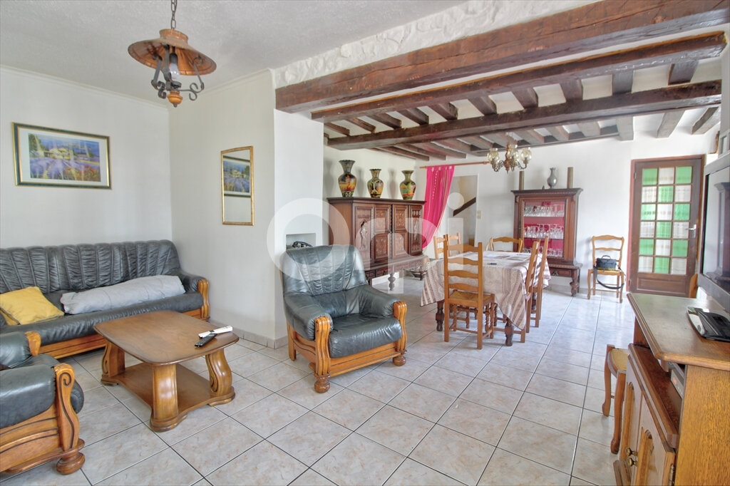 Maison à vendre 5 107m2 à Béthisy-Saint-Martin vignette-1
