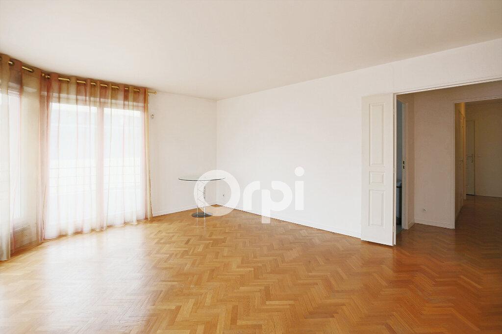 Appartement à vendre 4 80.76m2 à Montrouge vignette-3