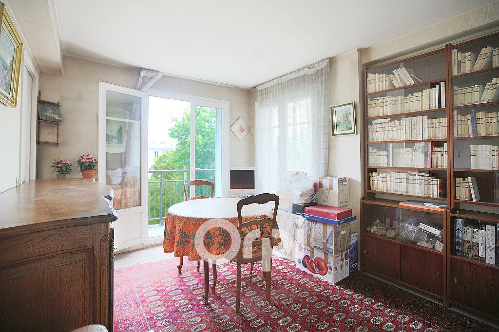 Appartement à vendre 2 44.5m2 à Montrouge vignette-4