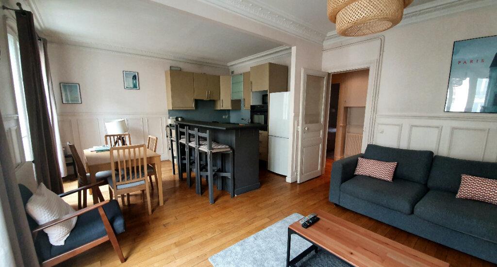 Appartement à louer 3 56m2 à Montrouge vignette-2