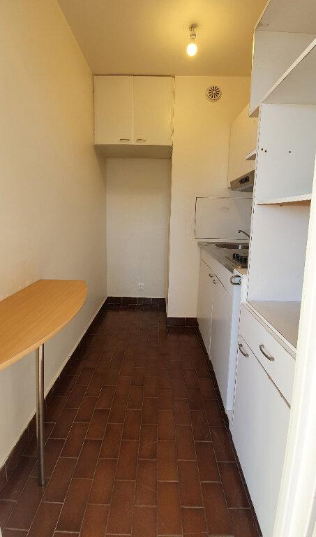 Appartement à louer 1 29.65m2 à Montrouge vignette-4