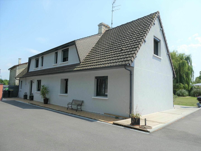 Maison à vendre 6 150m2 à Canteloup vignette-2