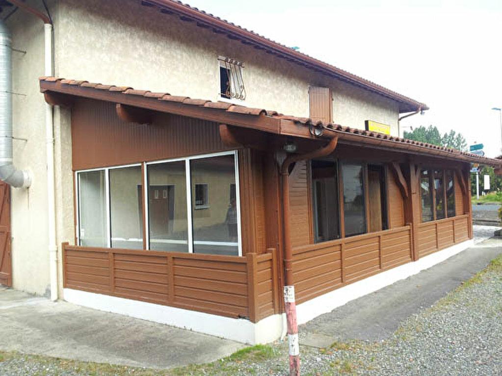 Maison à vendre 9 161.58m2 à Saint-André-de-Seignanx vignette-3