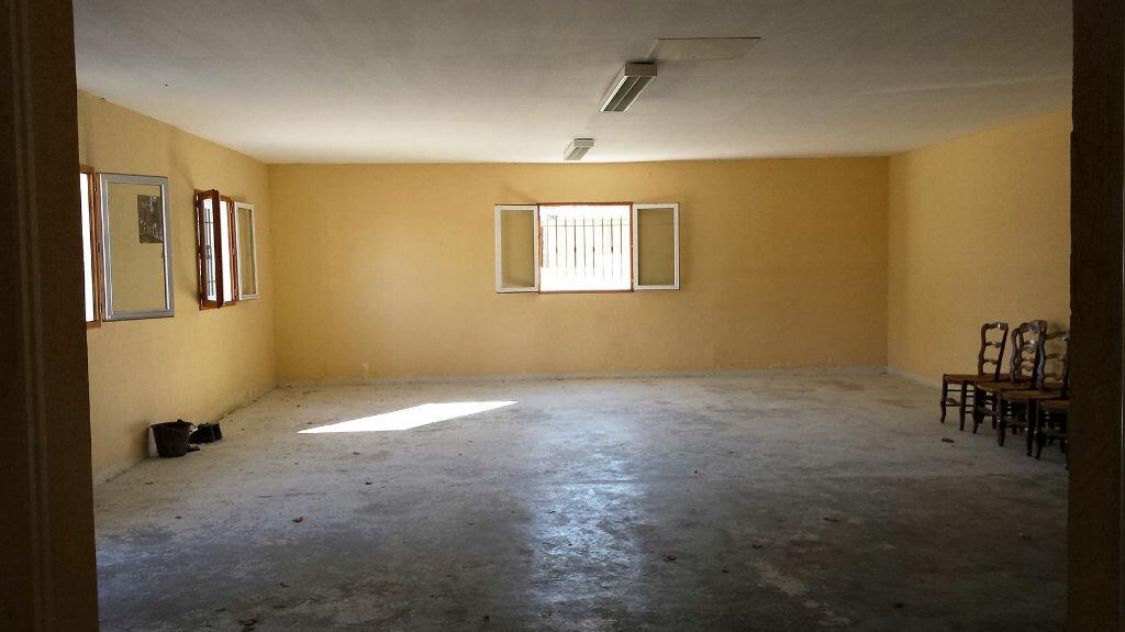 Maison à vendre 9 161.58m2 à Saint-André-de-Seignanx vignette-12