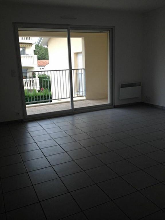 Appartement à louer 3 55.76m2 à Dax vignette-4