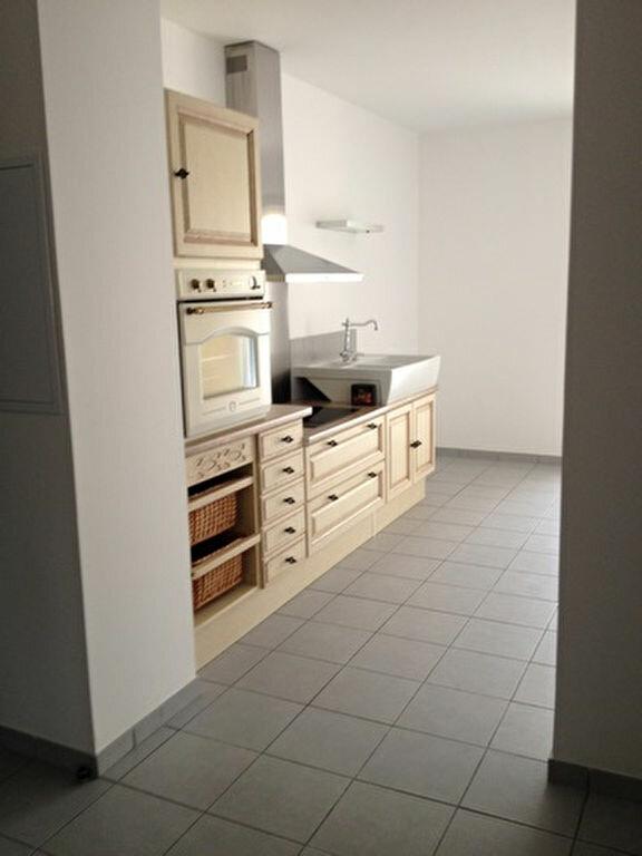 Appartement à louer 3 55.76m2 à Dax vignette-5