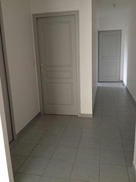 Appartement à louer 3 55.76m2 à Dax vignette-6