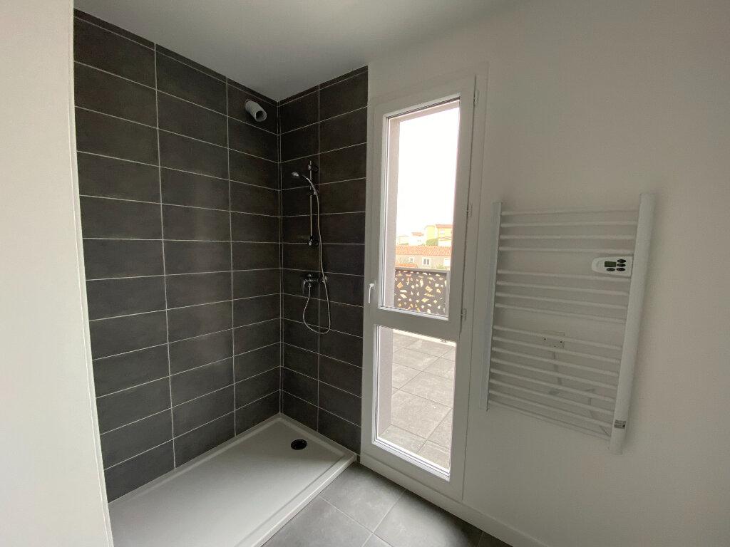 Appartement à vendre 3 63m2 à Frontignan vignette-4