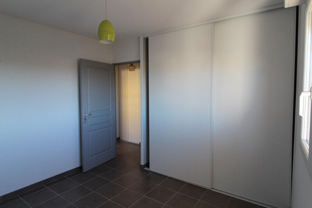 Appartement à louer 3 49.5m2 à Frontignan vignette-2