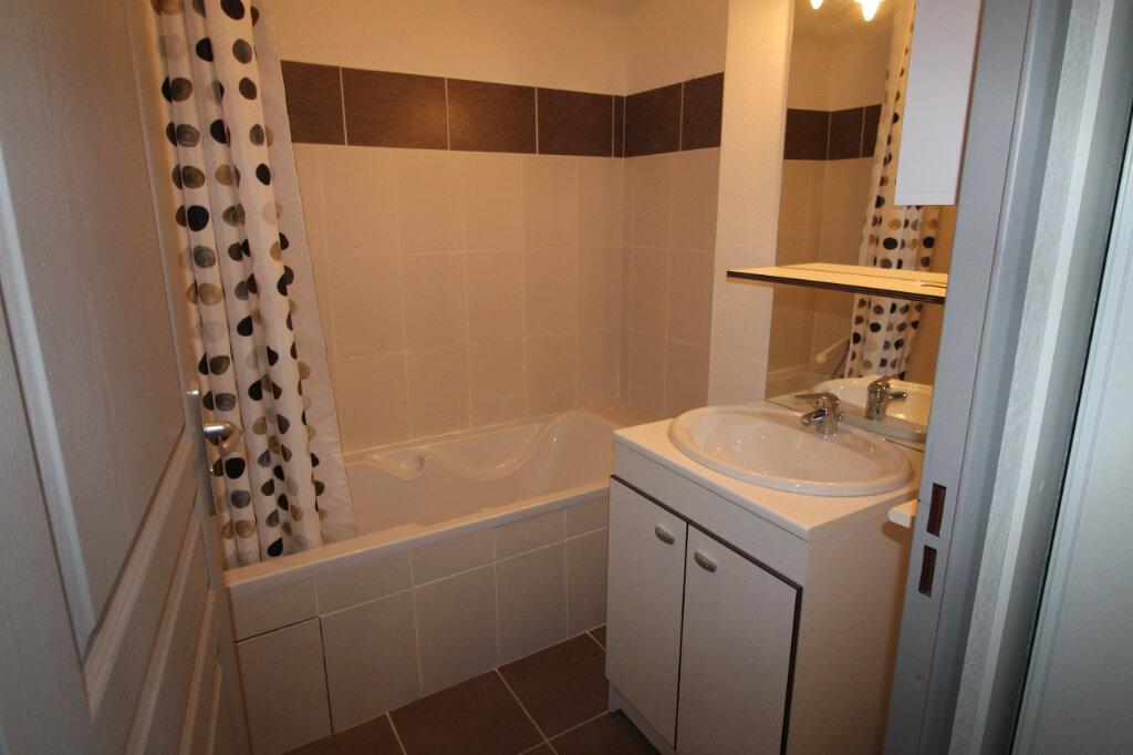 Appartement à louer 3 49.5m2 à Frontignan vignette-3