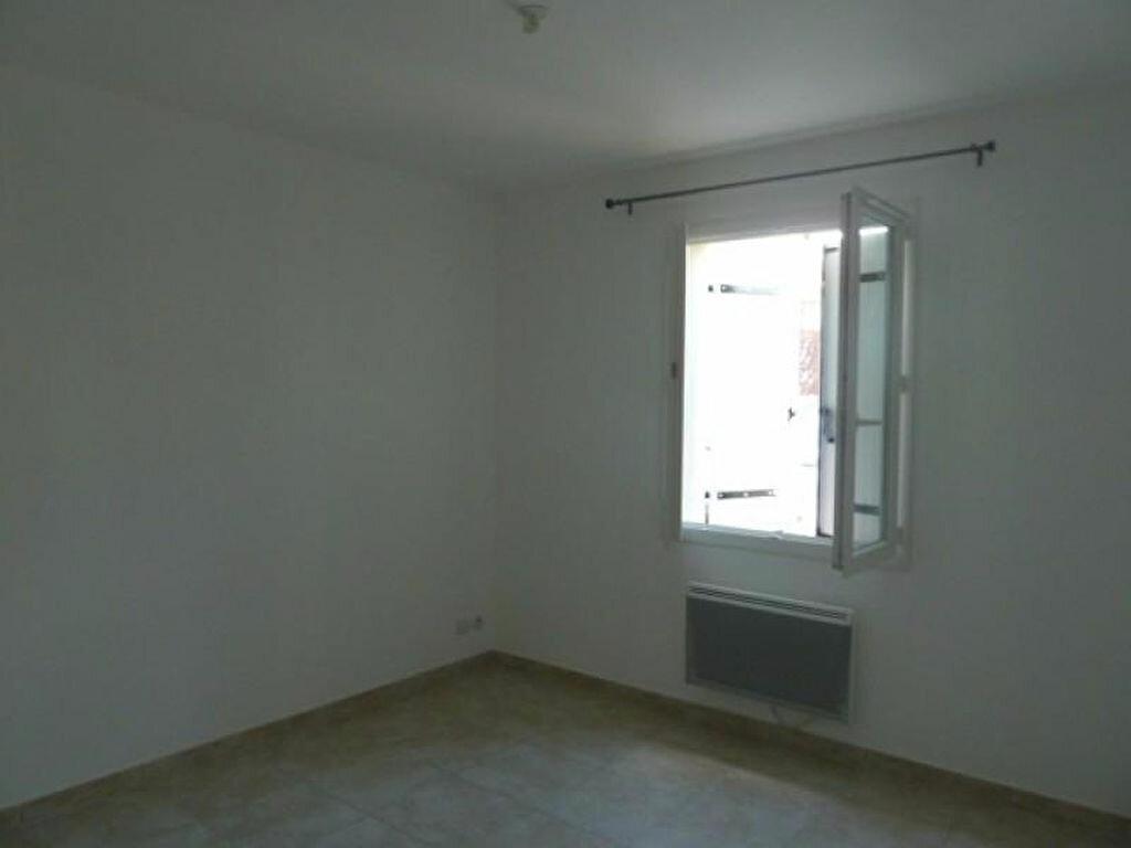 Maison à louer 4 81.5m2 à Rocbaron vignette-3