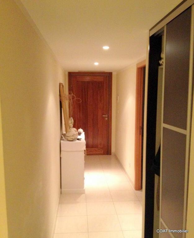 Appartement à louer 3 61.6m2 à La Roquebrussanne vignette-9