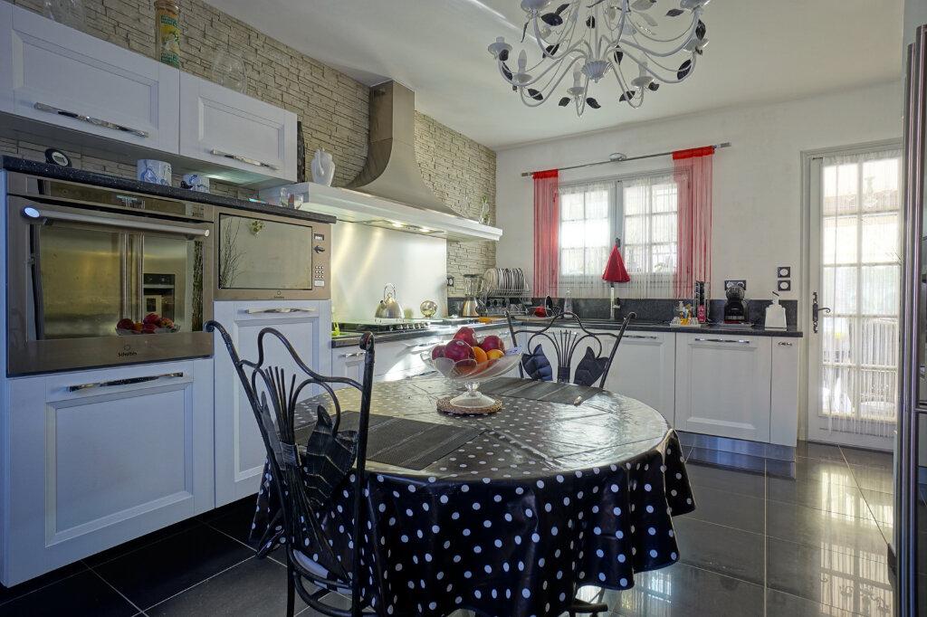 Maison à vendre 7 190.83m2 à La Farlède vignette-4