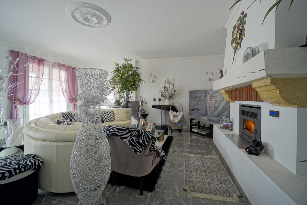 Maison à vendre 7 190.83m2 à La Farlède vignette-5