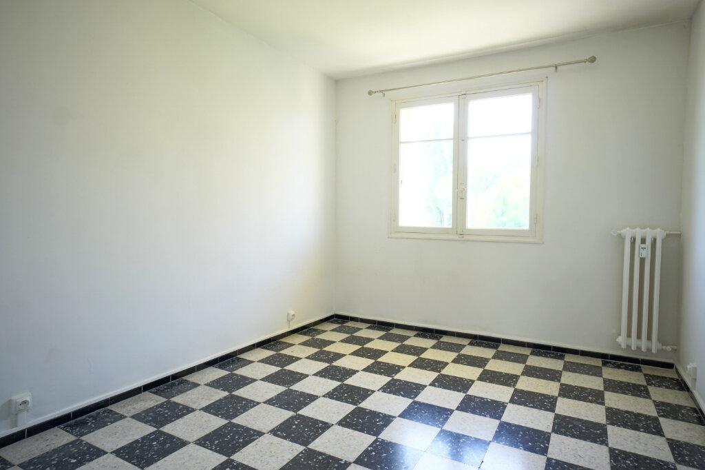 Appartement à louer 3 69.87m2 à La Crau vignette-3