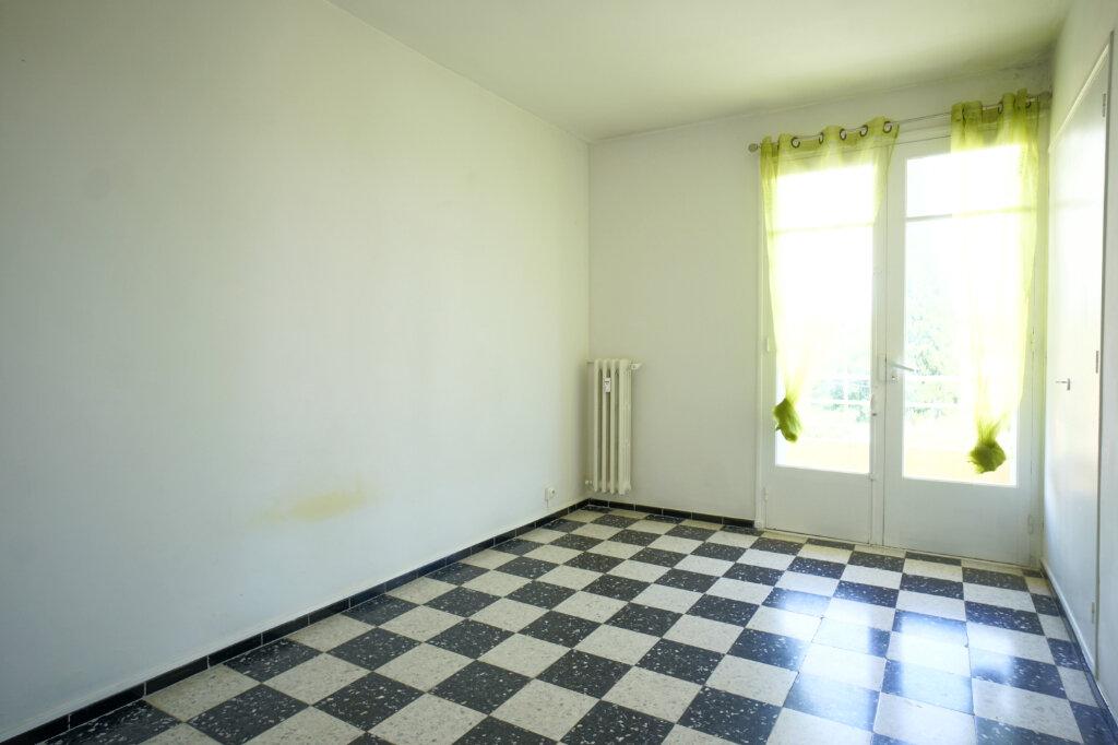 Appartement à louer 3 69.87m2 à La Crau vignette-4