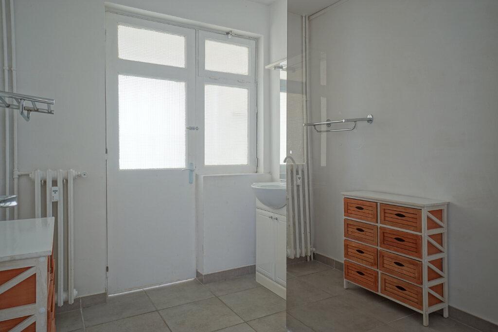 Appartement à louer 3 69.87m2 à La Crau vignette-5