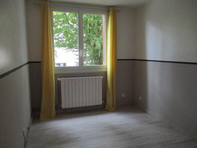 Appartement à louer 3 58.03m2 à Le Plessis-Trévise vignette-5