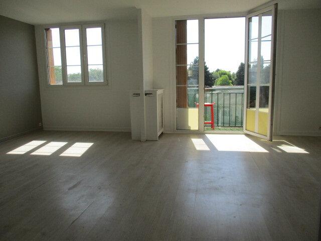 Appartement à louer 3 62m2 à Bry-sur-Marne vignette-3