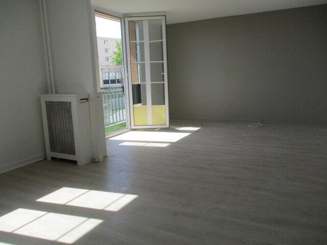 Appartement à louer 3 62m2 à Bry-sur-Marne vignette-4