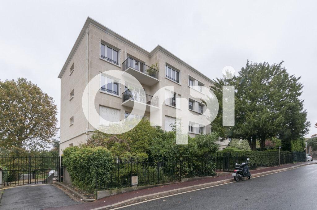 Appartement à vendre 3 57.86m2 à Sèvres vignette-1
