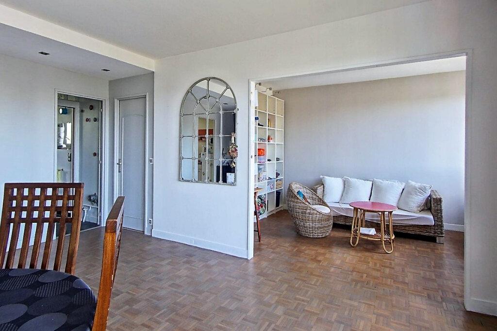Appartement à louer 4 65.83m2 à Sèvres vignette-1